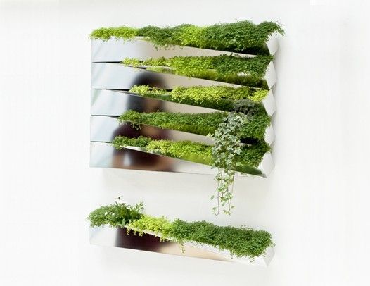 Living art vertical gardens good to grow for Jardin vertical interior casero